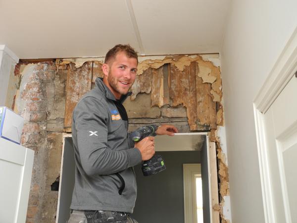 Gjør karriere både i fag og idrett: Kristoffer Brun er ikke bare  tømrermester, men også VM- og EM-mester i roing. EM. Nå er han i tillegg i gang med arkitektutdannelse.